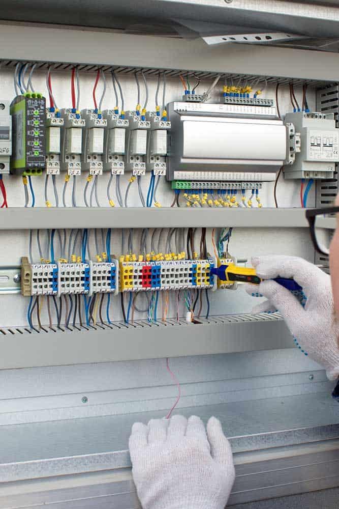変電設備の工事
